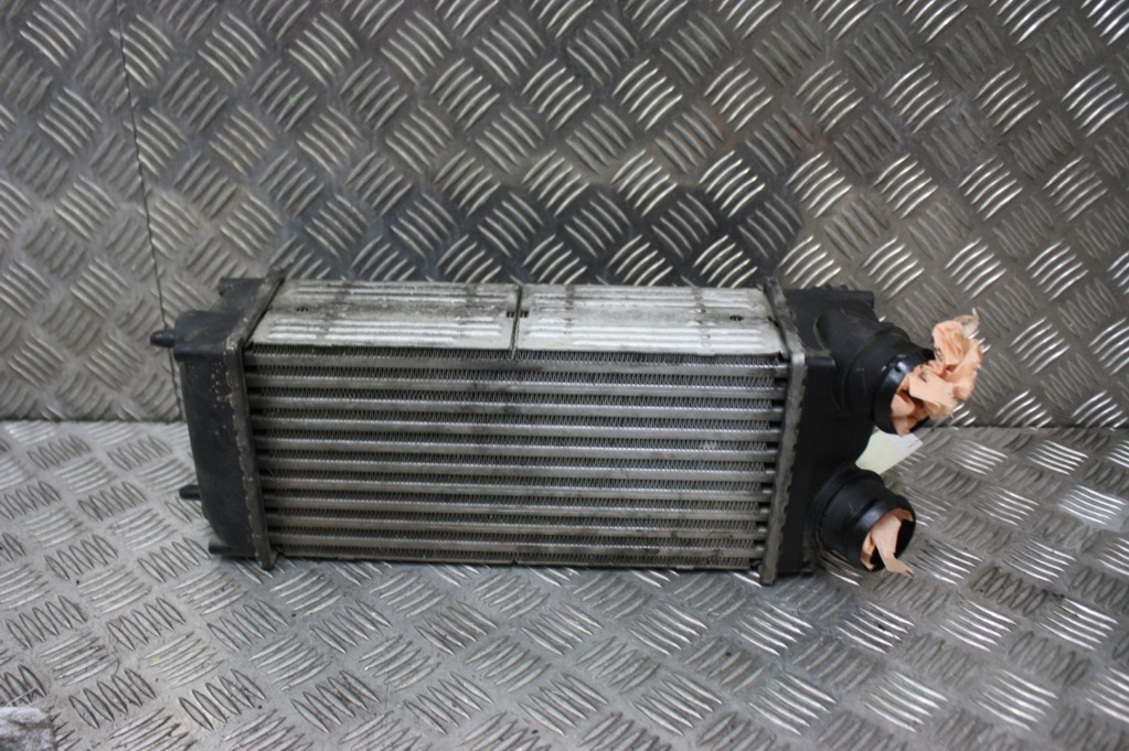 echangeur air air peugeot 307 1 6 hdi 90ch ebay. Black Bedroom Furniture Sets. Home Design Ideas