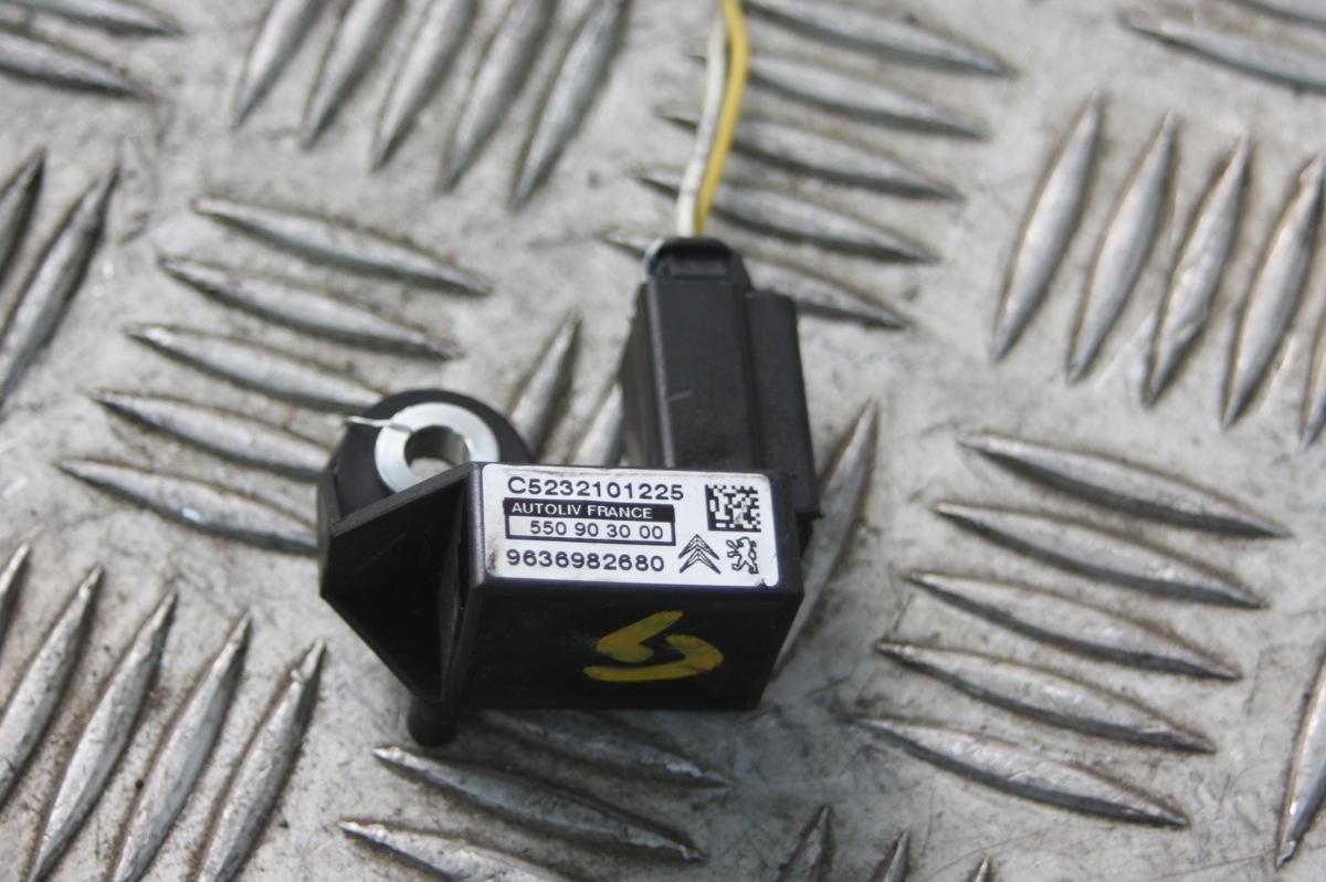 capteur choc lateral airbag peugeot 407 607 citroen c5 c6 c8 ref 9636982680. Black Bedroom Furniture Sets. Home Design Ideas